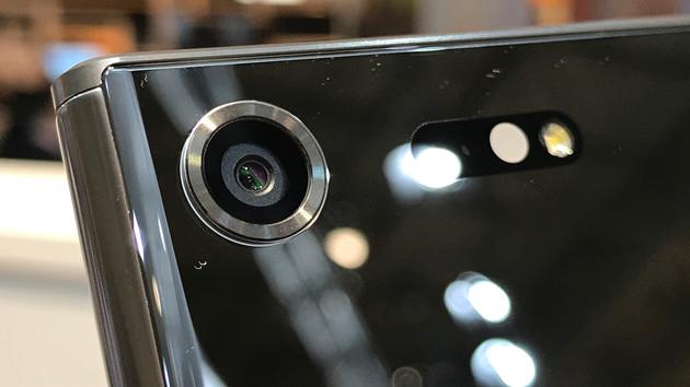 591bb174c645c - كاميرا هاتف سوني Xperia XZ Premium  مواصفتها وخصائصها الجديدة كلياً