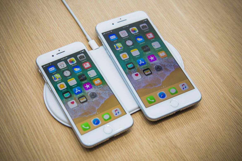 iphone8 8plus - آبل توقف إنتاج هواتف آيفون X و 6S و SE وتخفض أسعار آيفون 7 و 8 ونسخ بلس