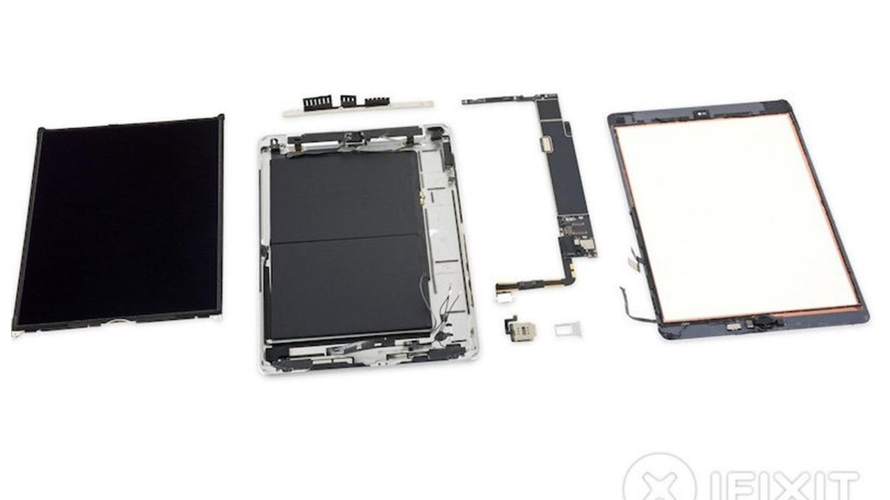 3 iFixit تقوم بتفكيك جهاز iPad - تفكيك جهاز آيباد الجديد بقياس 10.2 يعطينا نظرة جيدة عن مكونات الآيباد الداخلية