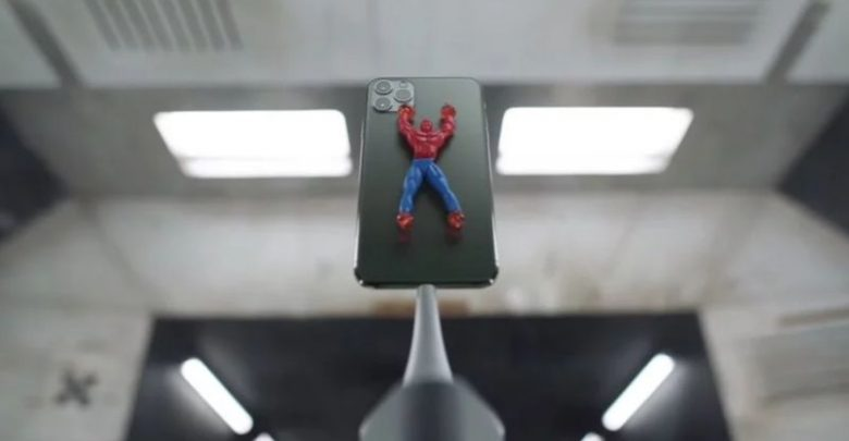 apple iphone 11 pro ad durability 780x405 - آبل تنشر اعلانات جديدة للترويج لمزايا كاميرا وقوة تحمل جوال ايفون 11 برو